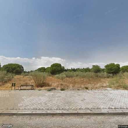 Parque medio abandonado en Alcalá de Henares