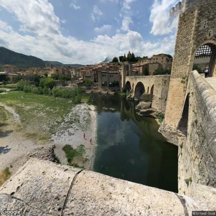 En las orillas del Río Medieval