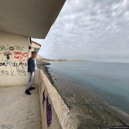 Casa abandonada con vistas al mar